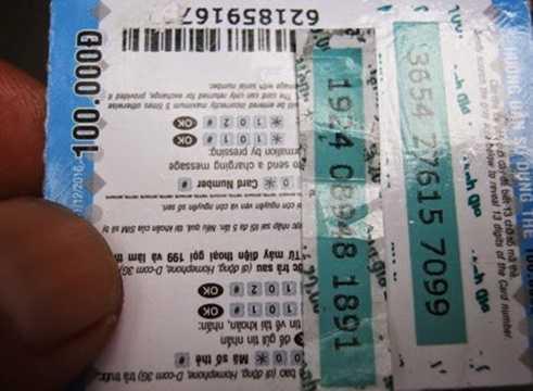 Một trường hợp thẻ cào giả. Số mã thẻ in không rõ nét, điều đáng nói là phần số seri bị thiếu hụt các con số.