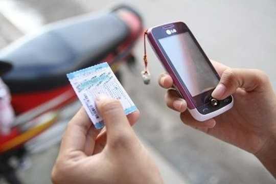Khi mua thẻ nạp, bạn nên cào thẻ, kích hoạt tài khoản ngay tại điểm bán hàng để kiểm tra tính chính xác số tiền trong tài khoản sau khi nạp thẻ đảm bảo sự trùng khớp giá trị thẻ nạp theo đúng mệnh giá.