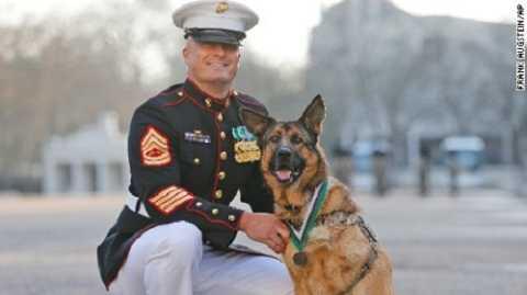 Lucca nhận huân chương ghi nhận những đóng góp trong suốt  6 năm phục vụ