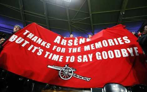 CĐV Arsenal đã hết kiên nhẫn với HLV Wenger