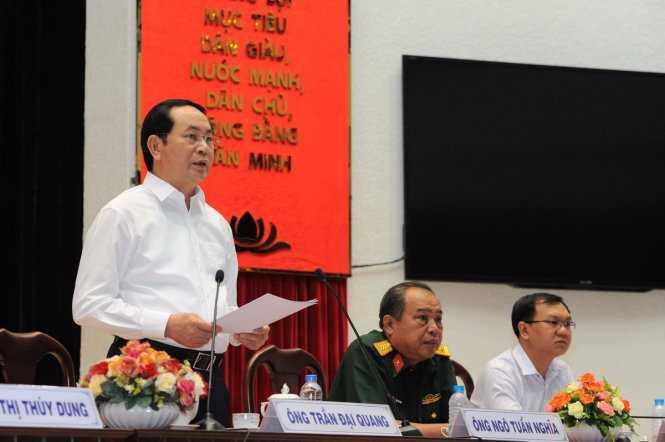 Chủ tích nước Trần Đại Quang trả lời chất vấn của cử tri quận 3 TP.HCM - Ảnh: Tự Trung