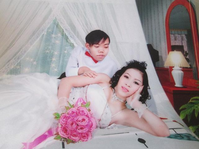 Ảnh cưới của chú lùn ảo thuật và nàng bạch tuyết chân dài. (ảnh nhân vật cung cấp).