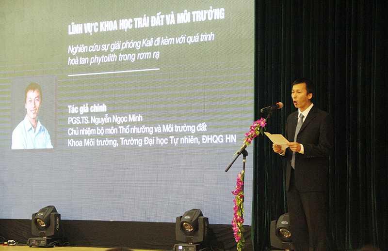 PGS.TS. Nguyễn Ngọc Minh chia sẻ sau khi nhận giải thưởng Tạ Quang Bửu 2016