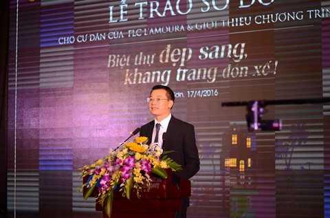 Ông Trần Quang Huy - Chủ tịch HĐTV Công ty FLC Sầm Sơn Beach & Golf Resort – Đại diện Tập đoàn FLC phát biểu tại buổi lễ