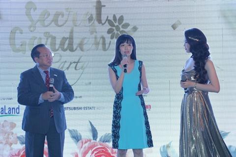 Chương trình có sự tham gia của nhiều ca sĩ nổi tiếng: Tùng Dương – Uyên Linh  - Phạm Thu Hà cùng các người đẹp: Hoa hậu Thu Thủy, Á hậu quý bà thế giới Thu Hương, Á hậu Thụy Vân…
