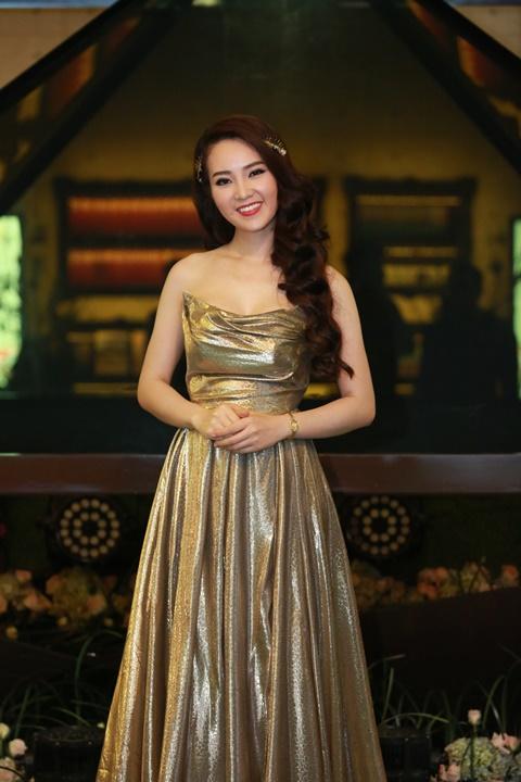 Á hậu Thụy Vân có mặt trong sự kiện giới thiệu Đại lộ bốn mùa Seasons Avenue- dự án của chủ đầu tư Tập Đoàn CapitaLand (Singapore) và đối tác Việt Nam – Công ty Cổ phần Đầu tư và Phát triển Hạ tầng Hoàng Thành.