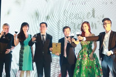 """Để đánh dấu cho sự ra mắt đặc biệt này, Đêm dạ tiệc mang tên """"Secret Garden Party"""" do Seasons Avenue, CapitaLand – Hoàng Thành phối hợp cùng CLB Phong cách doanh nhân và WLIN tổ chức với sự thực hiện của Nam Hương Media & Event."""
