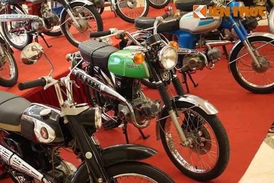 Đây chính là dòng xe Honda 67 mà người Việt Nam đã quá quen thuộc. Tuy nhiên trong dòng SS50 cũng có rất nhiều các phiên bản khác nhau tùy theo từng quốc gia và năm sản xuất, chẳng hạn như cafe racer, scrambler, phanh đùm hoặc phanh đĩa phía trước...
