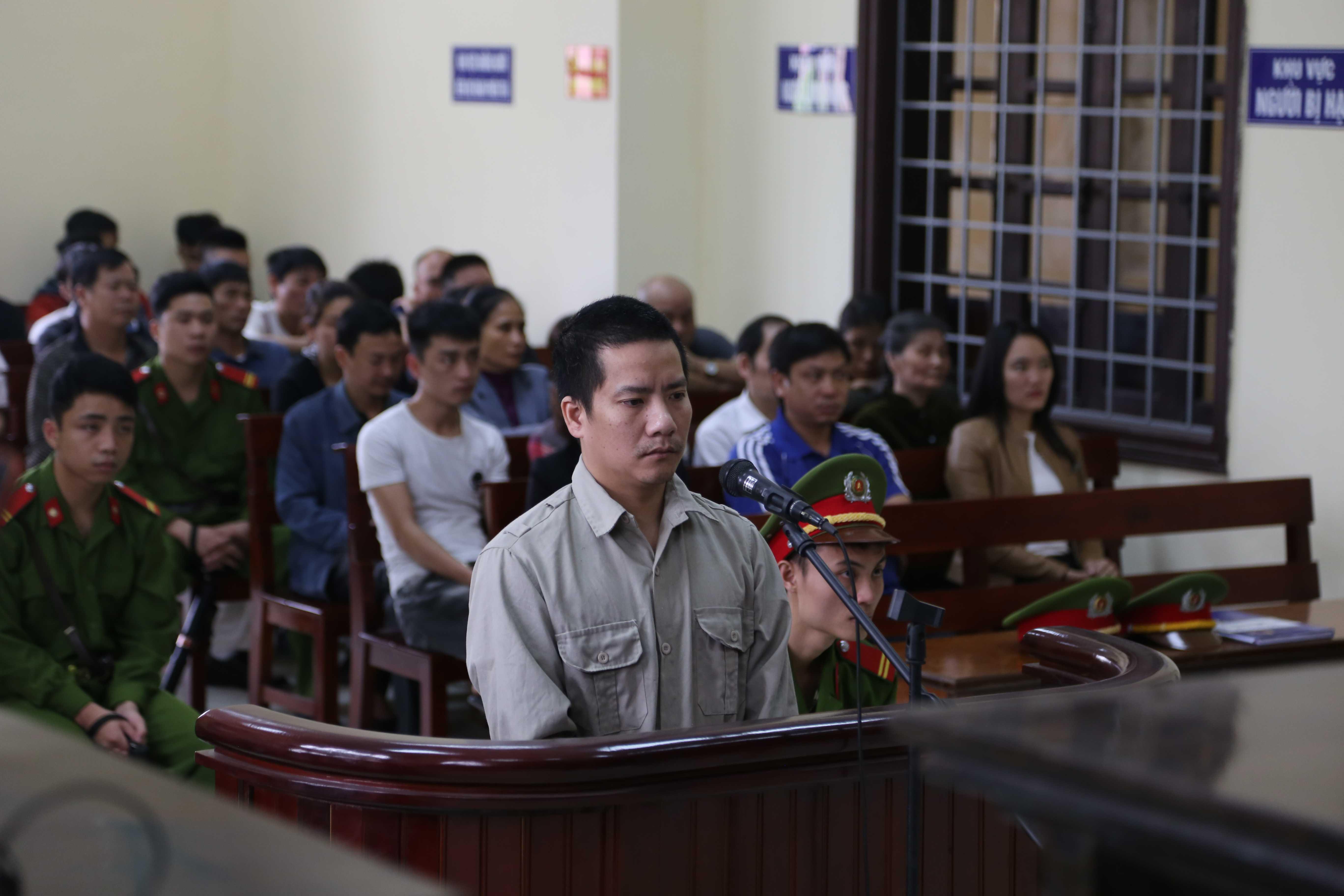 Chỉ vì va chạm giao thông và thiếu kiềm chế mà giờ đây Việt phải vào vòng lao lý còn Xuân Anh thì mất mạng.