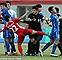Bóng đá Trung Quốc sốc khi thấy cảnh đội bóng triệu USD bị đánh tơi tả