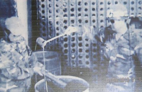 Cảnh cai ngục dội nước sôi lên đầu tù binh ở Phú Quốc