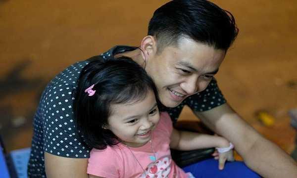 Diễn viên Tiến Lộc và con gái