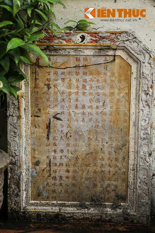 Dấu tích duy nhất của Văn thánh miếu Gia Định còn sót lại là 2 tấm bia cổ.