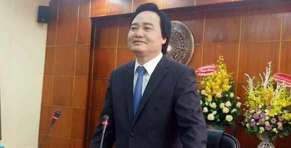 Bộ trưởng Phùng Xuân Nhạ trong ngày đầu làm việc tại Bộ GD-ĐT (Ảnh: GS Trần Văn Nhung)