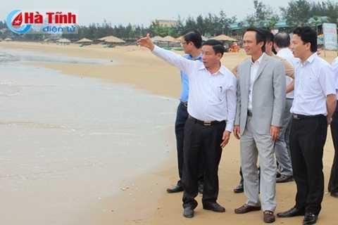 Đoàn khảo sát thực địa tại khu vực Bắc Thiên Cầm