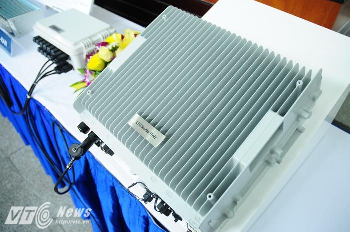 Một số thiết bị mạng phía Hàn Quốc đem đến trưng bày trong hội thảo - Ảnh: Tùng Đinh