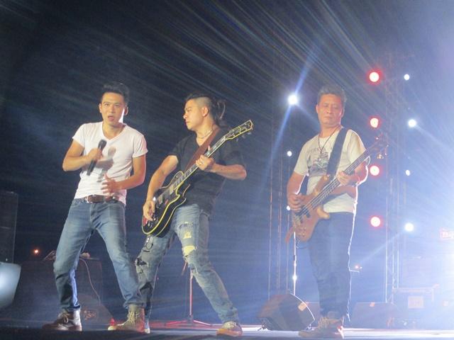 Nhóm nhạc Ngũ Cung mang đến đêm nhạc 5 ca khúc.
