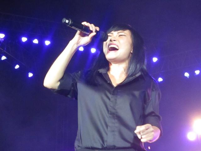 Phương Thanh nồng cháy với ca khúc Trống vắng.