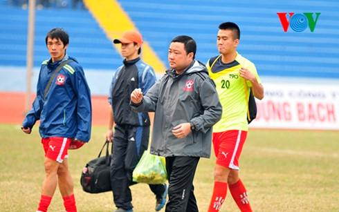 HLV Trương Việt Hoàng đang giúp Hải Phòng bay cao ở V-League 2016 dù không có nhiều ngôi sao trong đội hình