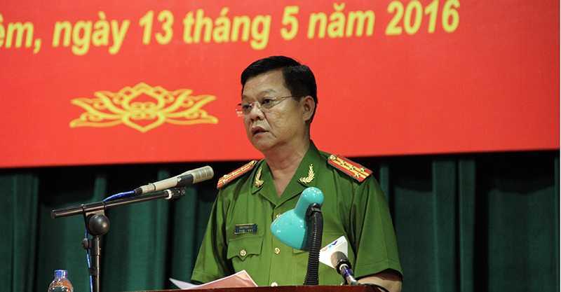 Đại tá Đào Thanh Hải, Phó Giám đốc CATP Hà Nội, ứng viên đại biểu Quốc hội tiếp xúc cử tri ngày 13/5 (Ảnh: Phạm Thịnh)