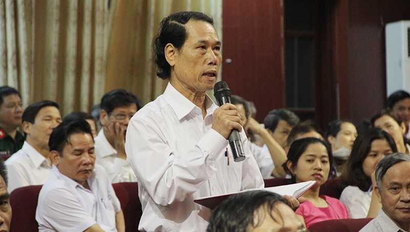 Cử tri quận Bắc Từ Liêm (Hà Nội) bày tỏ sự tin tưởng với các ứng cử viên đại biểu Quốc hội (Ảnh: Phạm Thịnh)