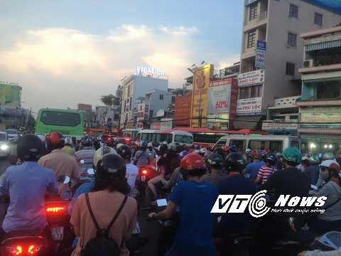 Tuyến đường Điện Biên Phủ bị tắc nghẽn hoàn toàn