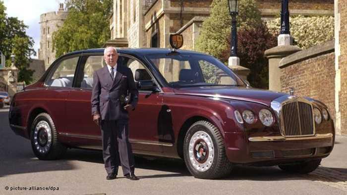 Chiếc xe phục vụ Nữ hoàng Anh