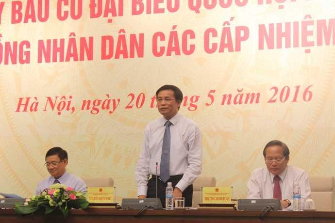 Tổng thư ký Quốc hội, Chánh Văn phòng Hội đồng bầu cử quốc gia Nguyễn Hạnh Phúc trả lời câu hỏi của báo chí xung quanh các vấn đề về bầu cử