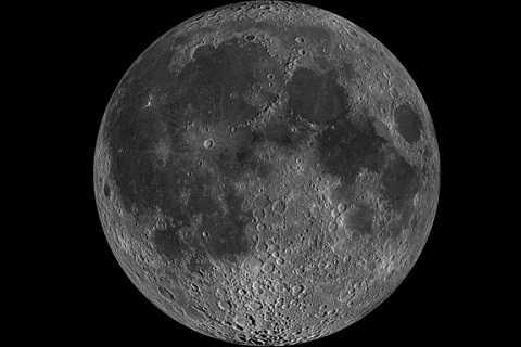 Mặt Trăng sẽ không chuyển thành màu xanh vào ngày 20/4/2016. Lời đồn đại dự đoán về Mặt Trăng là không có thật.