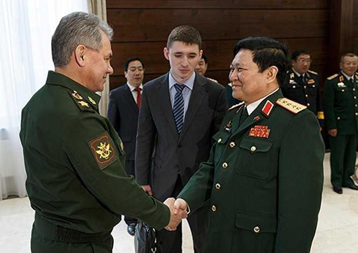 Bộ trưởng Quốc phòng Nga Sergei Shoigu gặp với Bộ trưởng quốc phòng Việt Nam, Đại tướng Ngô Xuân Lịch
