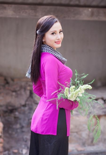 Phạm Thị Thùy Trang (SN 1996, cao 1,66m; Cao đẳng Nghề du lịch).