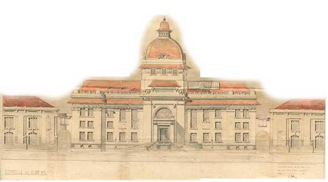 Hệ thống cửa của công trình cũng được kiến trúc sư – tác giả hết sức lưu tâm. Cửa ra vào chính là một cửa dạng vòm có độ cao tương đương hai tầng nhà được trang trí bằng kính và kim loại theo phong cách Art Nouveau, không chỉ làm đẹp cho công trình khi nhìn từ ngoài vào mà làm tăng tính thẩm mỹ cho khu đại sảnh khi nhìn từ trong ra.