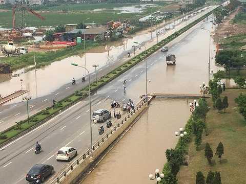 Khu đô thị Dương Nội vẫn bị nước phong tỏa