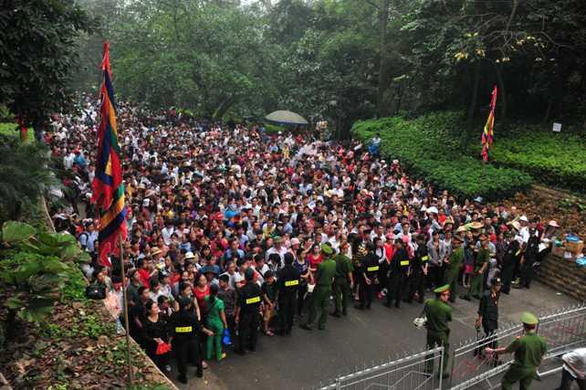 Tỉnh Phú Thọ đã phải huy động tối đa lực lượng an ninh để đảm bảo trật tự