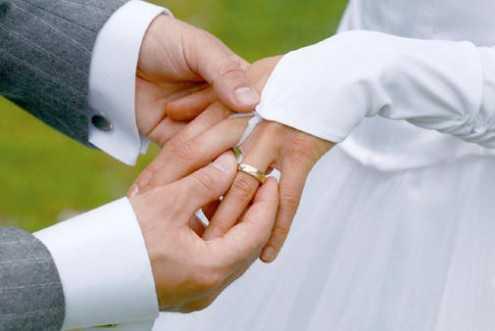 Những người đã lập gia đình có thể chia sẻ tâm sự với vợ hoặc chồng, đỡ đần nhau giúp cuộc sống lành mạnh hơn và chính điều này ảnh hưởng tới tỷ lệ sống sót của bệnh nhân