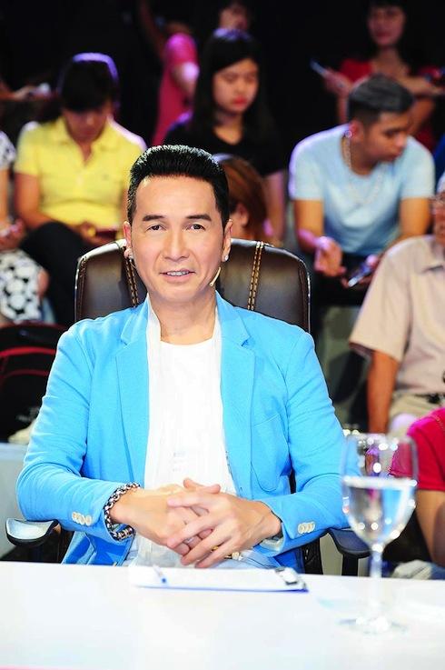 Nam ca sỹ hải ngoại Nguyễn Hưng.