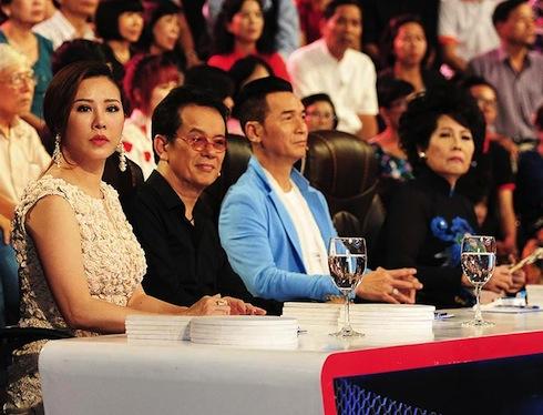 Hoa hậu Thu Hoài, nhạc sỹ Đức Huy, ca sỹ Nguyễn Hưng, ca sỹ Phương Dung sẽ là bốn giám khảo của tập này.