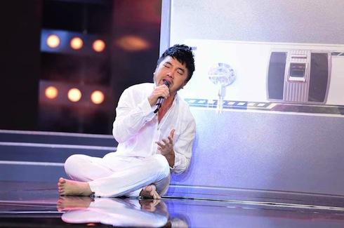 Dương Ngọc Thái hát 'Kẻ trắng tay'.