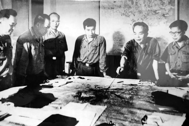 Tháng 4/1975, Quân ủy Trung ương theo dõi diễn biến chiến dịch Hồ Chí Minh.