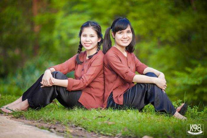 """Bộ ảnh kỷ yếu """"nông thôn"""" độc, lạ của học sinh Bắc Giang"""