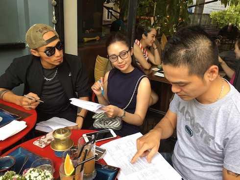 Phạm Anh Khoa luôn giữ thái độ chuyên nghiệp trong bất kỳ công việc nào.