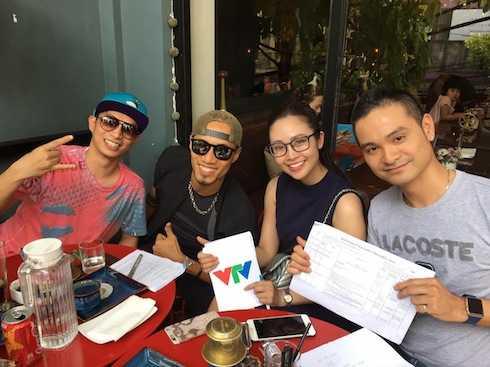 Phạm Anh Khoa và MC Thuỳ Linh dẫn dắt Cánh Diều Vàng.
