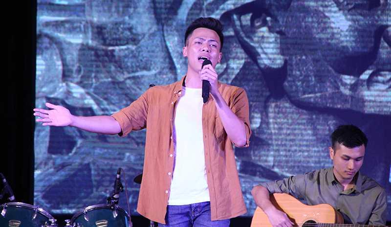 Giọng ca đầy cảm xúc của Duy Khánh với ca khúc Mẹ tôi