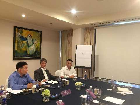 Đại diện Fidelity Ventures làm việc với các doanh nghiệp Việt Nam