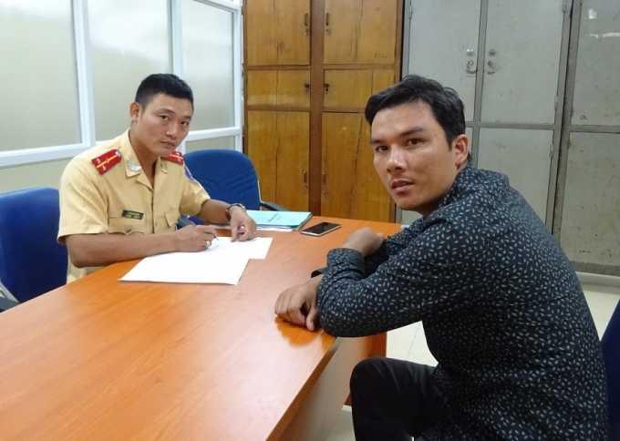 ài xế xe tải Nguyễn Văn Hùng tại trụ sở Công an