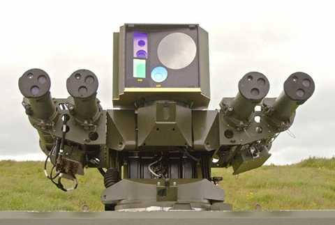 Cảm biến và 4 tên lửa lắp trên tháp pháo của hệ thống THOR.
