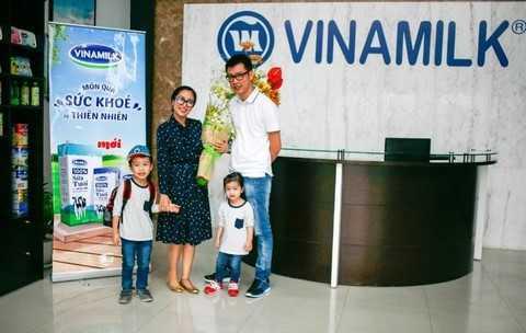 Cả nhà Ốc Thanh Vân đầy hào hứng trước chuyến tham quan