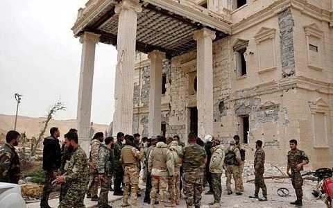 Tờ báo Anh tiết lộ những thỏa thuận gây sốc giữa IS và chính quyền Syria
