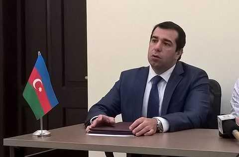 Đại sứ Azerbaijan tại Việt Nam Anar Imanov trong buổi họp báo chiều 6/4