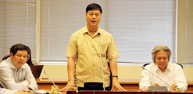 Lãnh đạo Viện Hàn lâm Khoa học Xã hội Việt Nam họp báo thông tin về những vấn đề dư luận xôn xao (Ảnh: Phạm Thịnh)